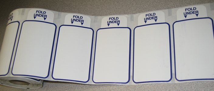 Self expirig labels on a roll
